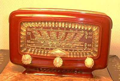 Super Clips (photo provenance : International Old Radios)